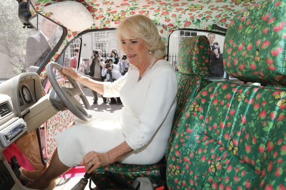 HRH The Duchess of Cornwall inside an Hindustan Ambassdor called 'Pink my Ride' designed by Manish Manish Malhotra copy (1)